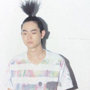 菅田将暉の髪型最新画像!パーマからショート、センター分けまで