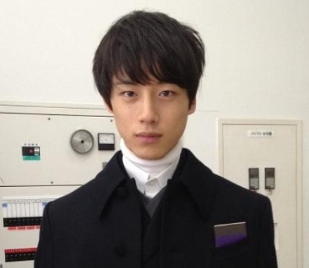 坂口健太郎の髪型のセットの仕方!後ろ髪は?ワックスでどうする
