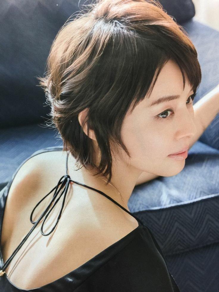 石田ゆり子の部屋の写真が超おしゃれ!プライベートの部屋着は?
