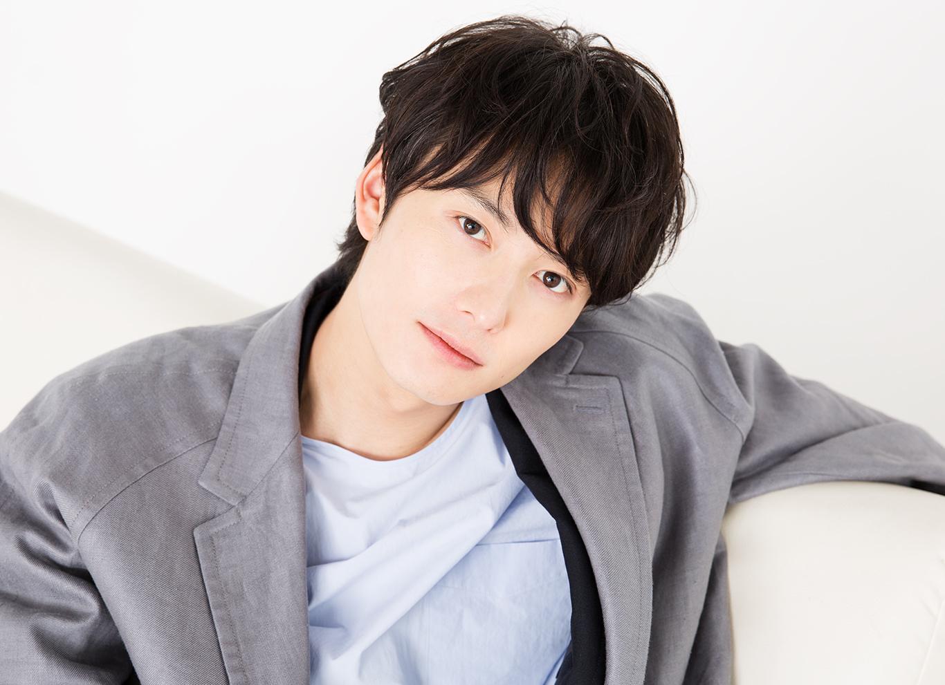 岡田将生はハーフ 色白で肌が綺麗 スキンケアや髪形をチェック